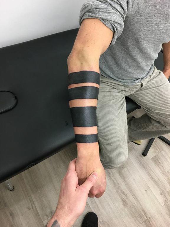 Galerie Les Tattoos A Bandes Noires Crock Ink Tatouage Bonneuil