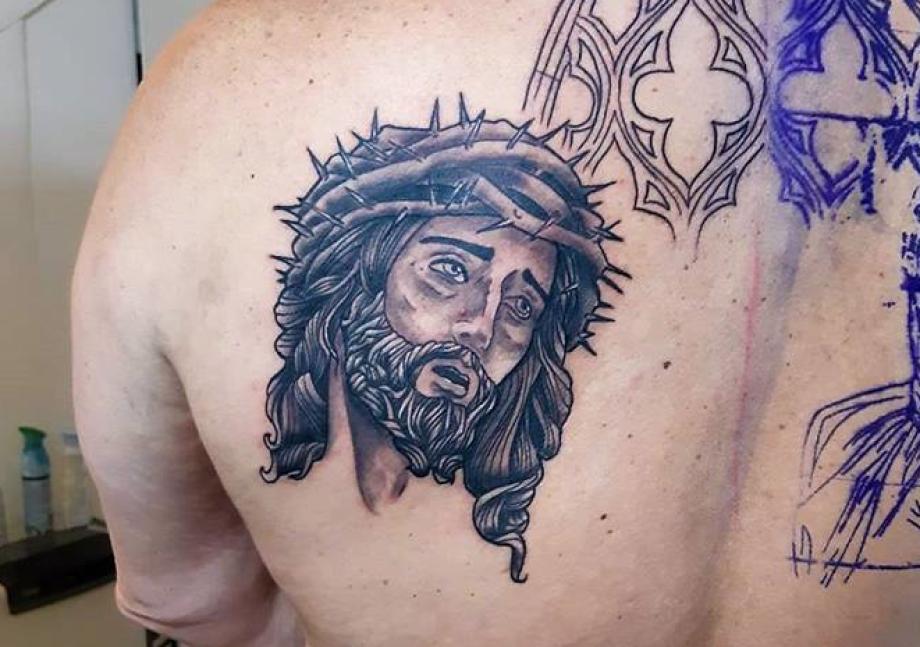 A T On Le Droit De Se Faire Tatouer Lorsque L On Est Chretien Crock Ink Tatouage Bonneuil